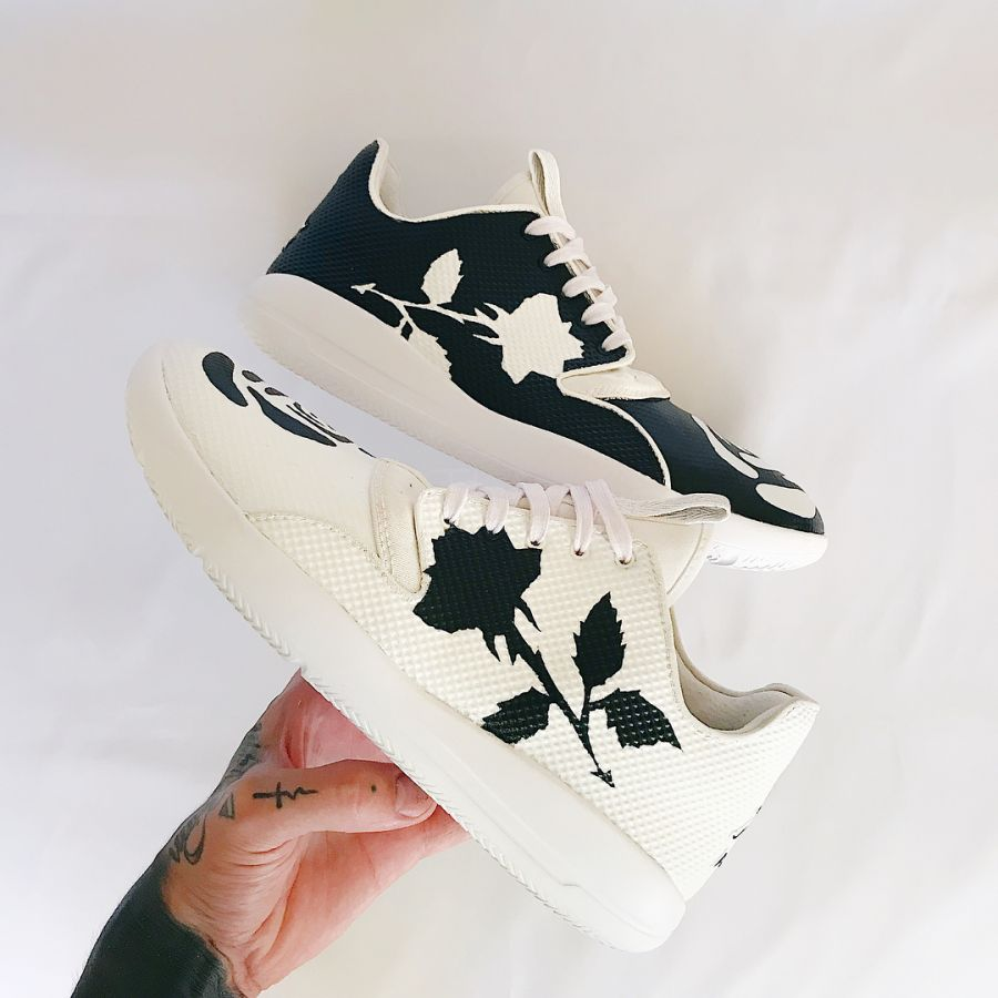 "Custom Jordan Eclipse ""Yin Yang"""