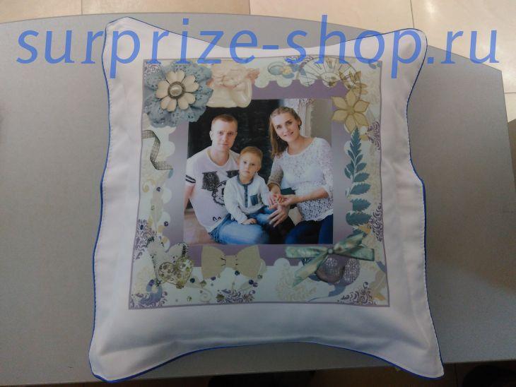 Подушка Луиза 40х40 с  голубой  окантовкой