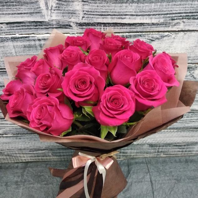 Букет крупных ароматных роз