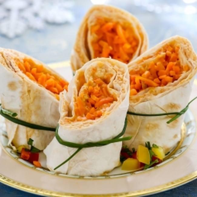 Рулеты с морковью «по-корейски» и сыром