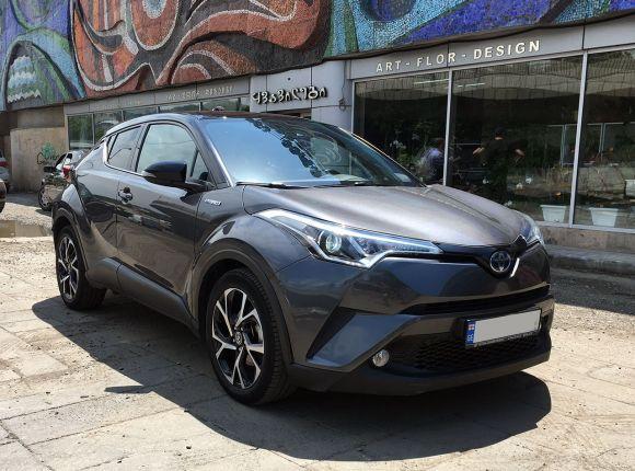Аренда Toyota C-HR 2018г. Автомат 1.8л.