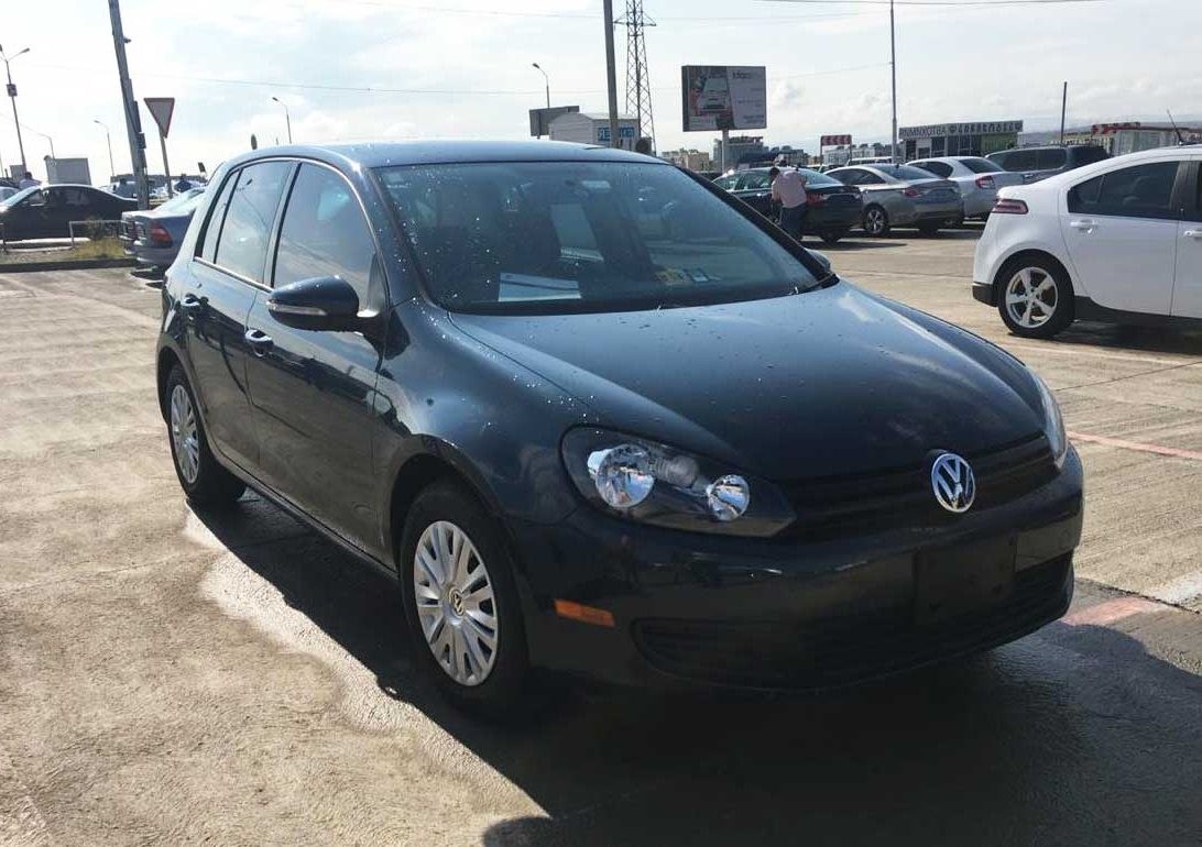 Volkswagen Golf  2011г. Автомат 1,6л.