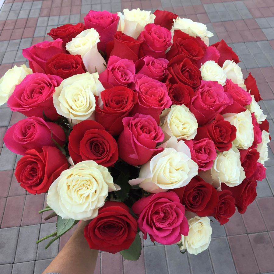 51 роза 60 см микс
