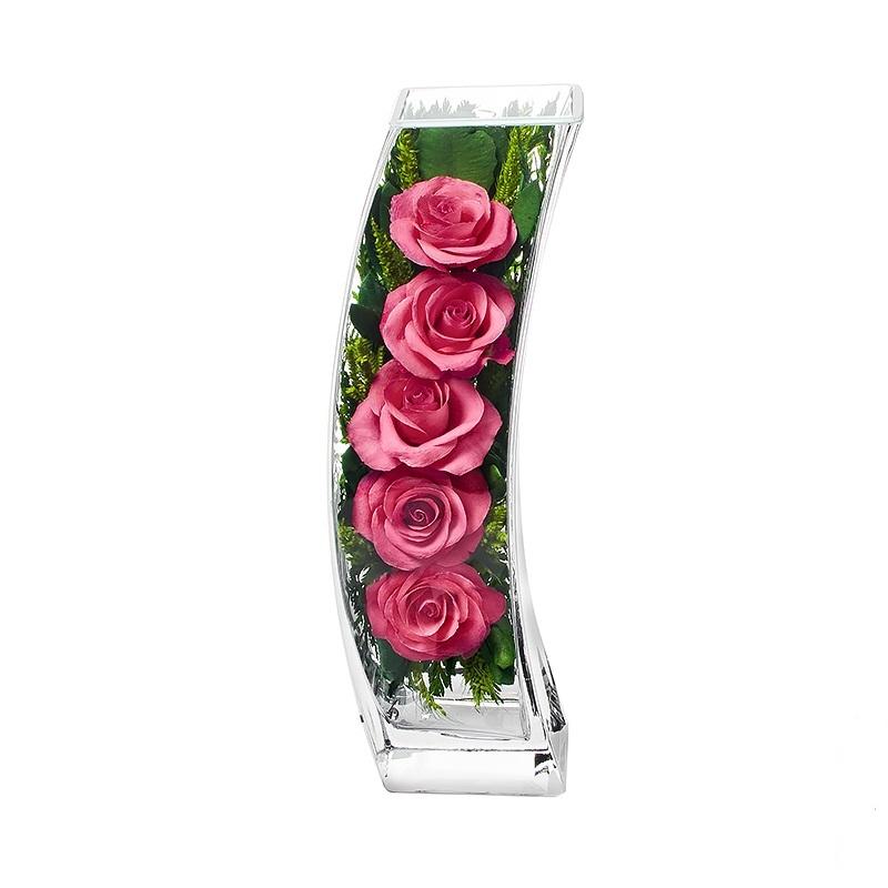 Композиция из розовых роз