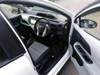 Прокат автомобиля Toyota Aqua hybrid Тбилиси Грузия