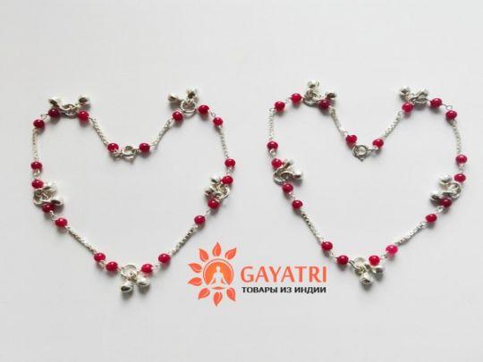 Серебряные браслеты-колокольчики с натуральным камнем гранат.