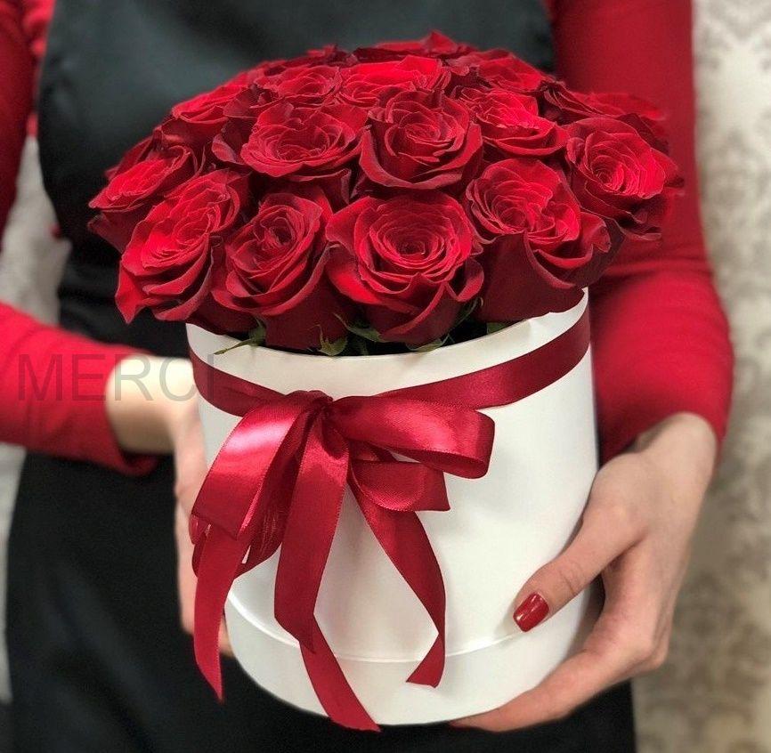 Коробка с розами 25 шт белая