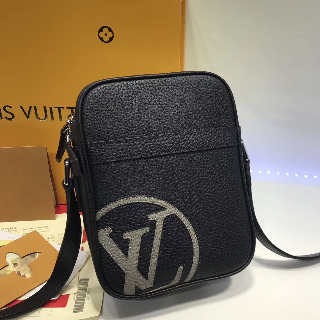 Сумка мессенджер Louis Vuitton Danube