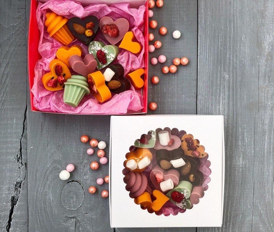 """Разноцветный микс конфет с ягодами"""""""