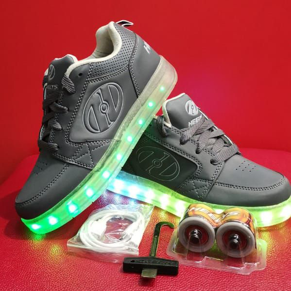 Heelys Premium 1 Lo Light Up Sneaker