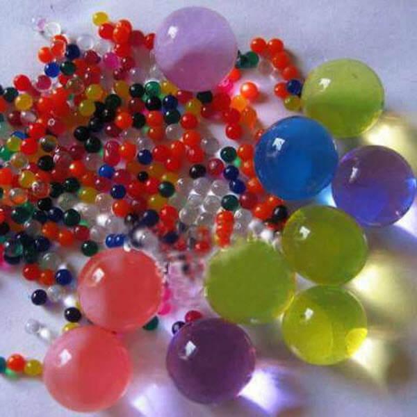 Гидрогелевые шарики в банке