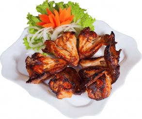Шашлык из куриных крыльев (цена за 100 грамм).