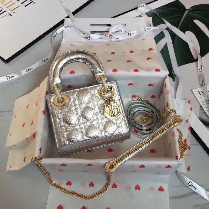 Lady Dior Mini 17 cm