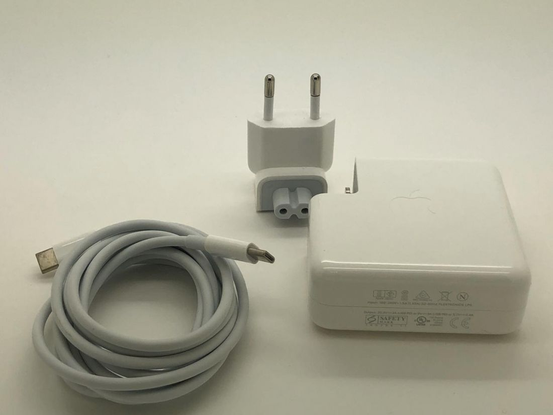 Оригинальный блок питания для Apple 20,3V-3A (Type-C) 61W