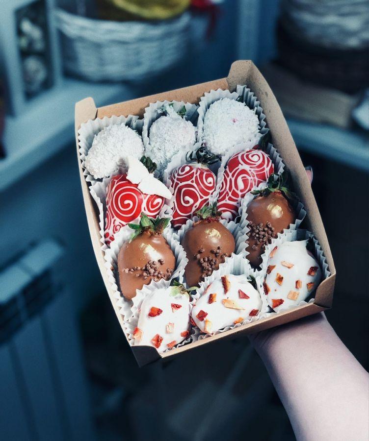 Клубника в шоколаде 12 штук № 5