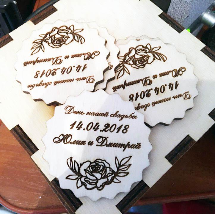 Свадебные магниты из дерева с цветком
