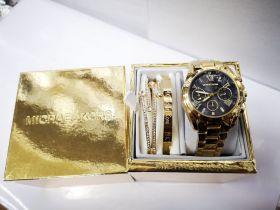Набор женский: Часы №2 + 2 браслета Michael Kors