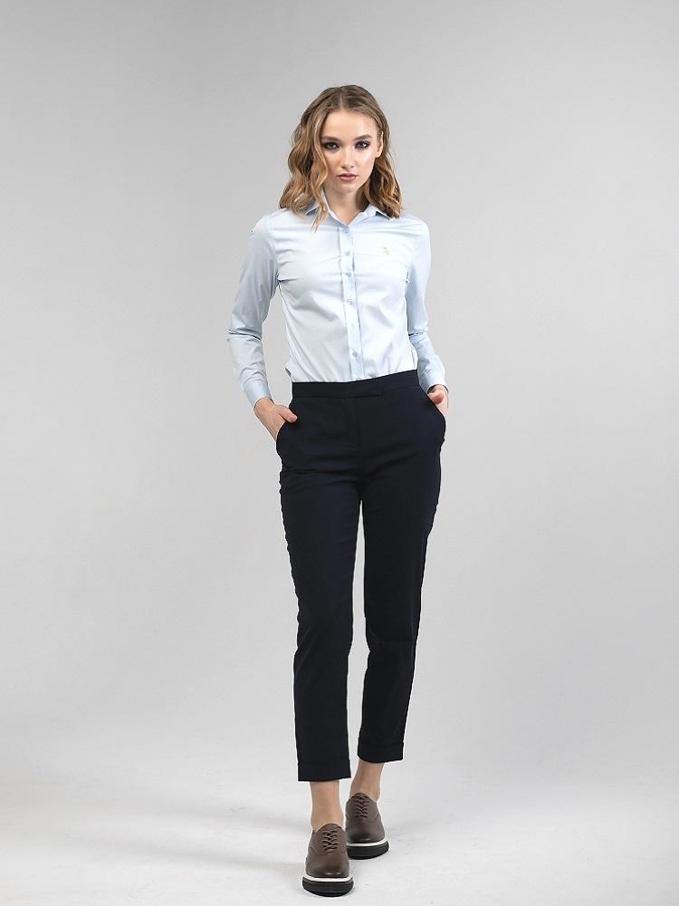 """Универсальные брюки""""casual smart"""", выполнены из костюмной ткани с добавлением хлопка и эластана. Брюки подойдут для любой фигуры и подчеркнут женственность силуэта. Подобные брюки легко впишутся и в повседневный и в деловой стиль. Универсальност"""