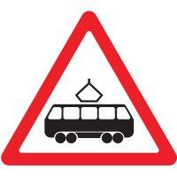 """Дорожный знак 1.5 """"Пересечение с трамвайной линией""""."""