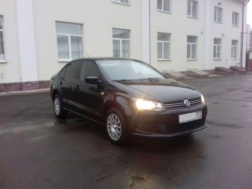 Volkswagen Polo 2015 г. Автомат (черный)