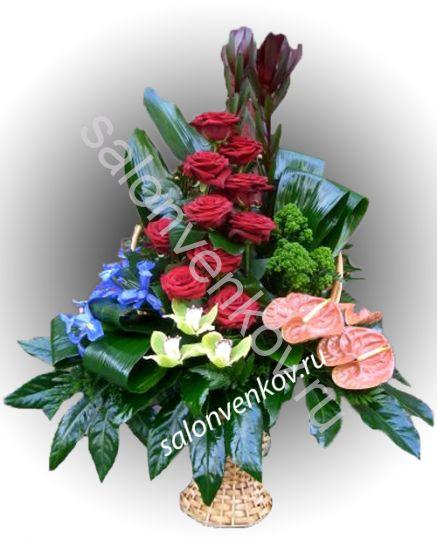 Траурная корзина из живых цветов N39, высота 90см