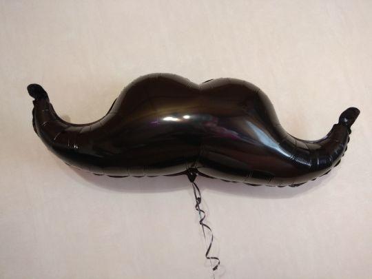 Усы фольгированный шар с гелием