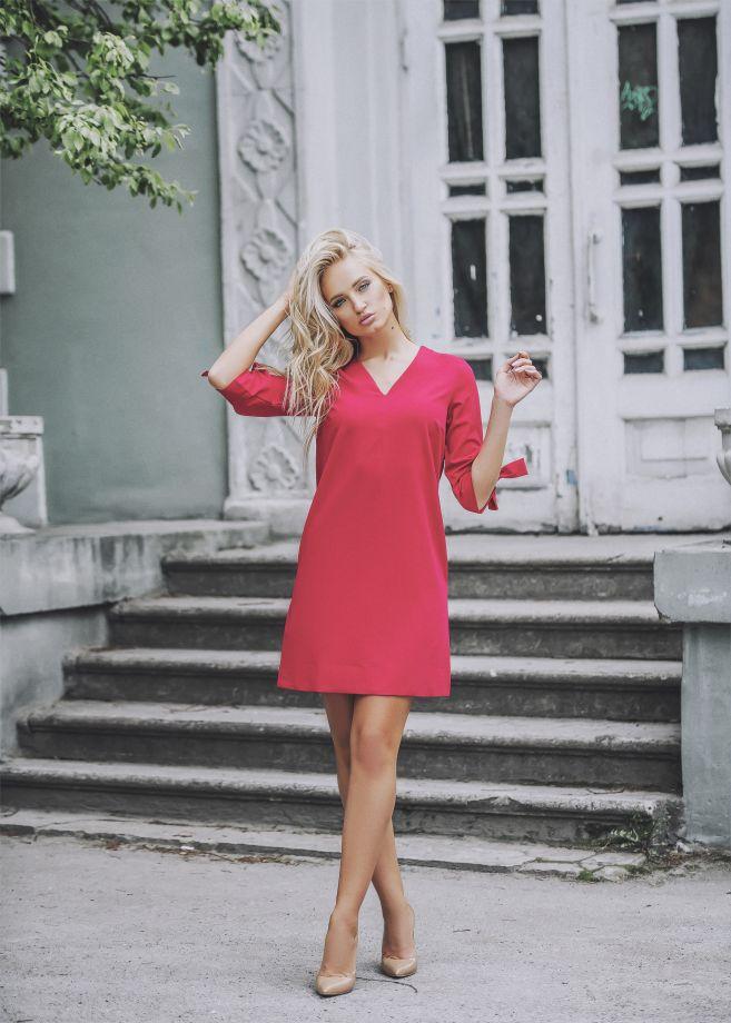 1053. Платье