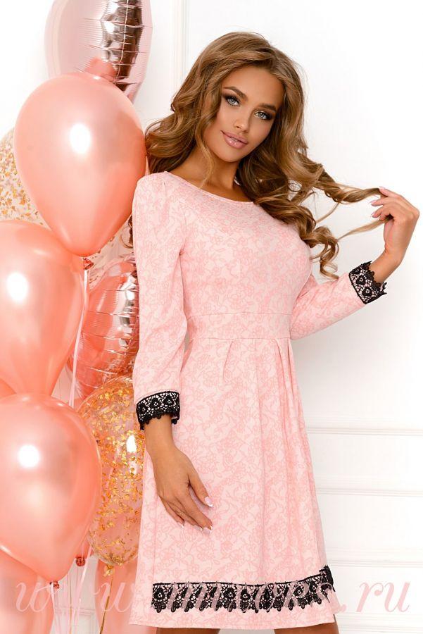 Платье нежно розовое короткое