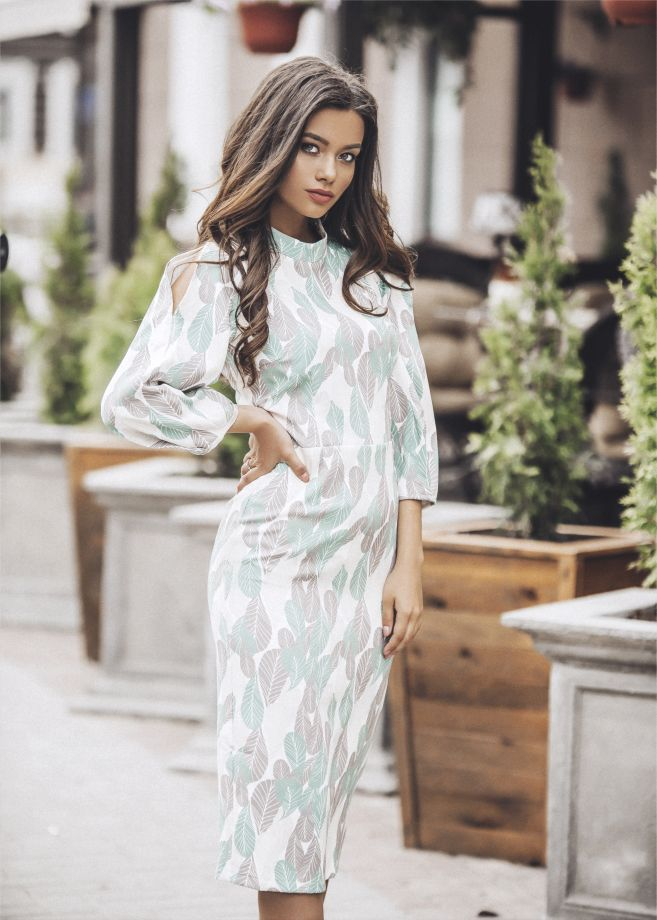0672. Платье
