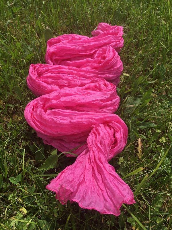 Леденцово-розовый шарф/парео из жатого шёлка (Москва)