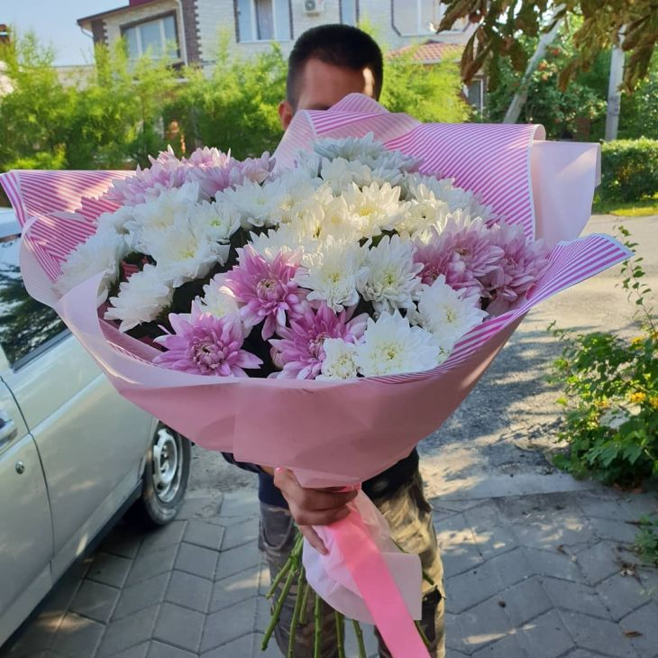 Огромный букет хризантем