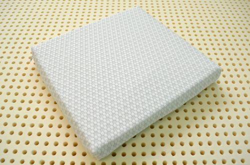 Чехлы для латексных подушек-накладок на стул.