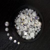 Стразы + жемчуг для ногтей в чёрной баночке, MIX004