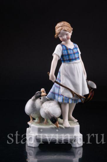 Изображение Девочка пасущая гусей, Ernst Bohne Sohne, Германия, 1920-30 гг