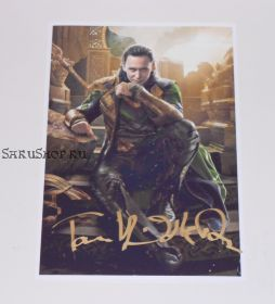 Автограф: Том Хиддлстон. Тор 2: Царство тьмы