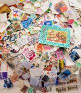 5000 почтовых марок в запечатанном пакете