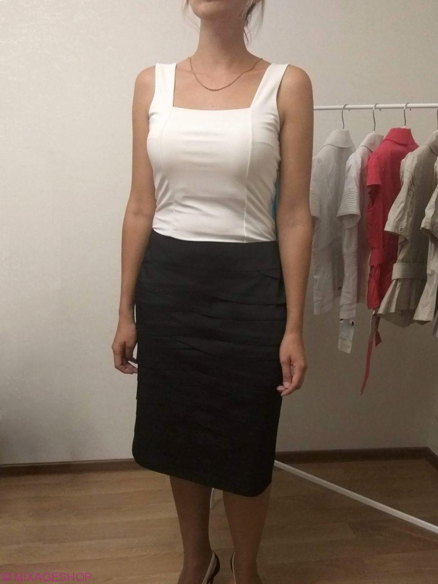 Стильная черная атласная юбка