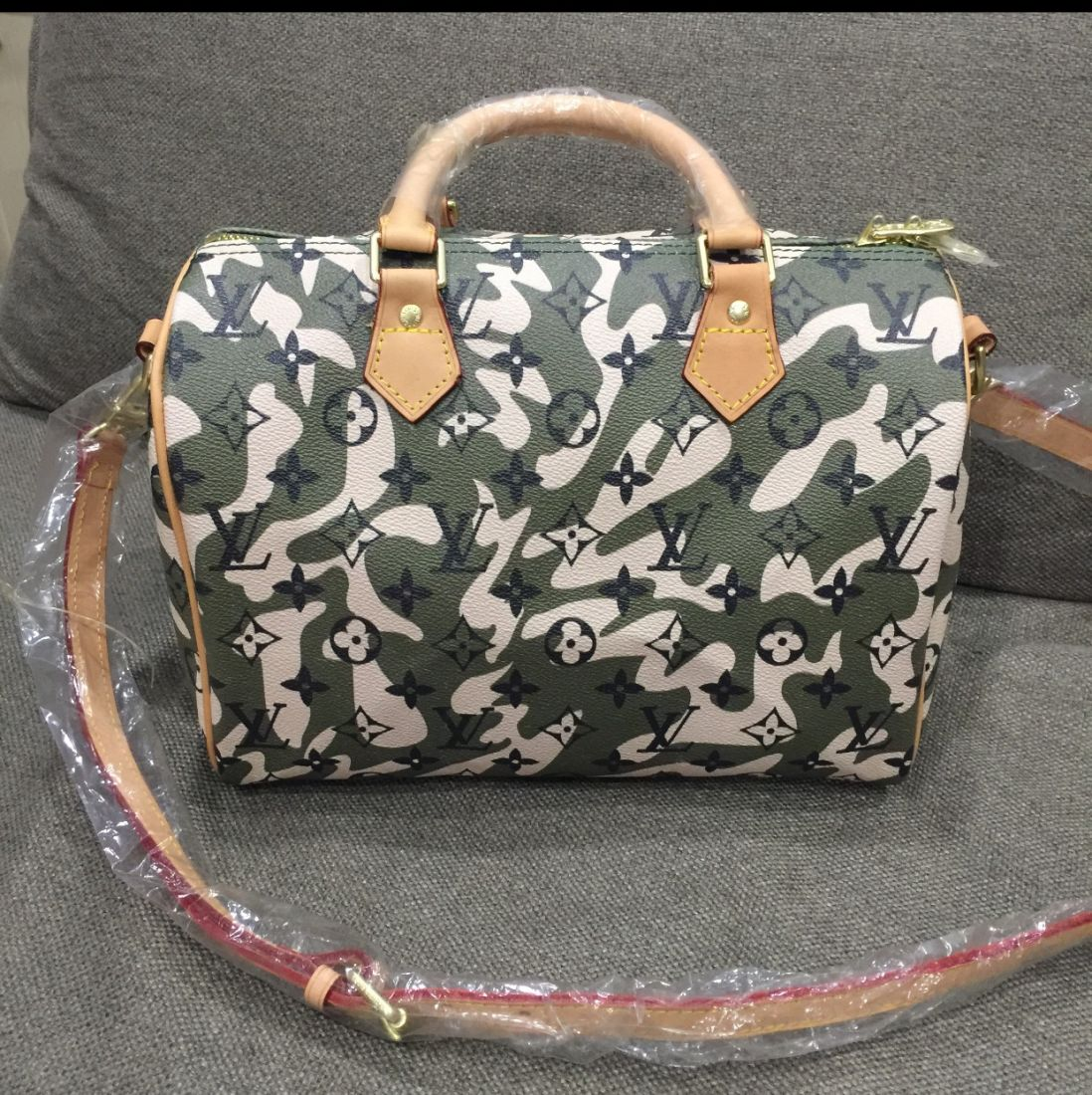 Сумка Louis Vuitton Seedy 30