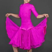 розовое детское платье для танцев