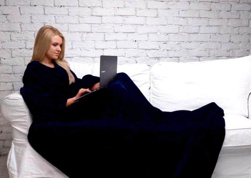 Одеяло-плед с рукавами Snuggle (Цвет: Черный)