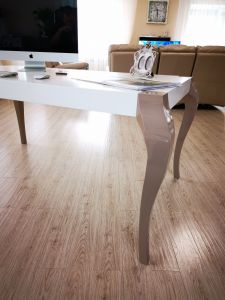 Глянцевые столы