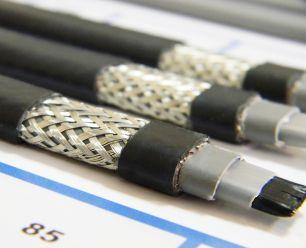 Готовый комплект кабеля NUNICHO снаружи трубы 30 Вт/м - 2 метра.+ (холодный ввод  с вилкой- 2 метра).