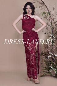 Бордовое гипюровое платье на одно плечо