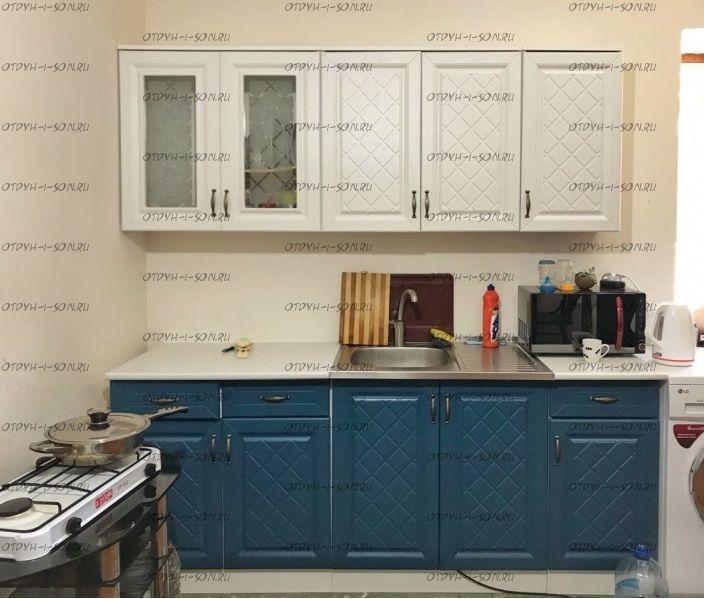 Кухня МДФ Ирина, 2000 (фасад белый, фасад синий (джинса), светло коричневый (трюфель))
