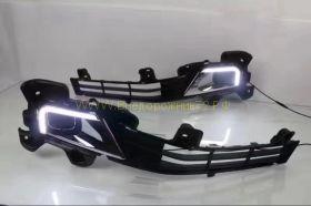 Вставки в передние противотуманные фары диодные с ДХО для Toyota Land Cruiser 200 15-