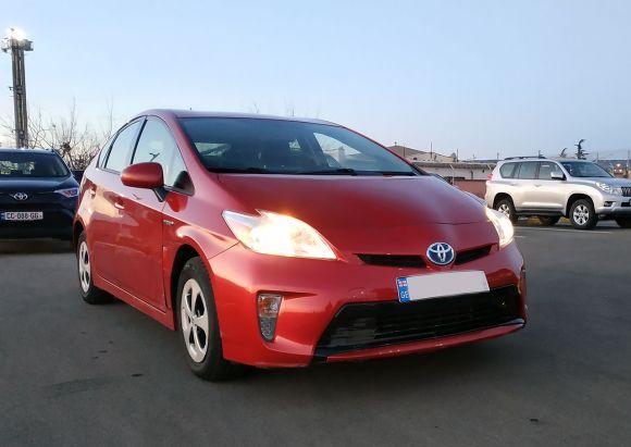 Toyota Prius Hybrid 1.8 л. Автомат