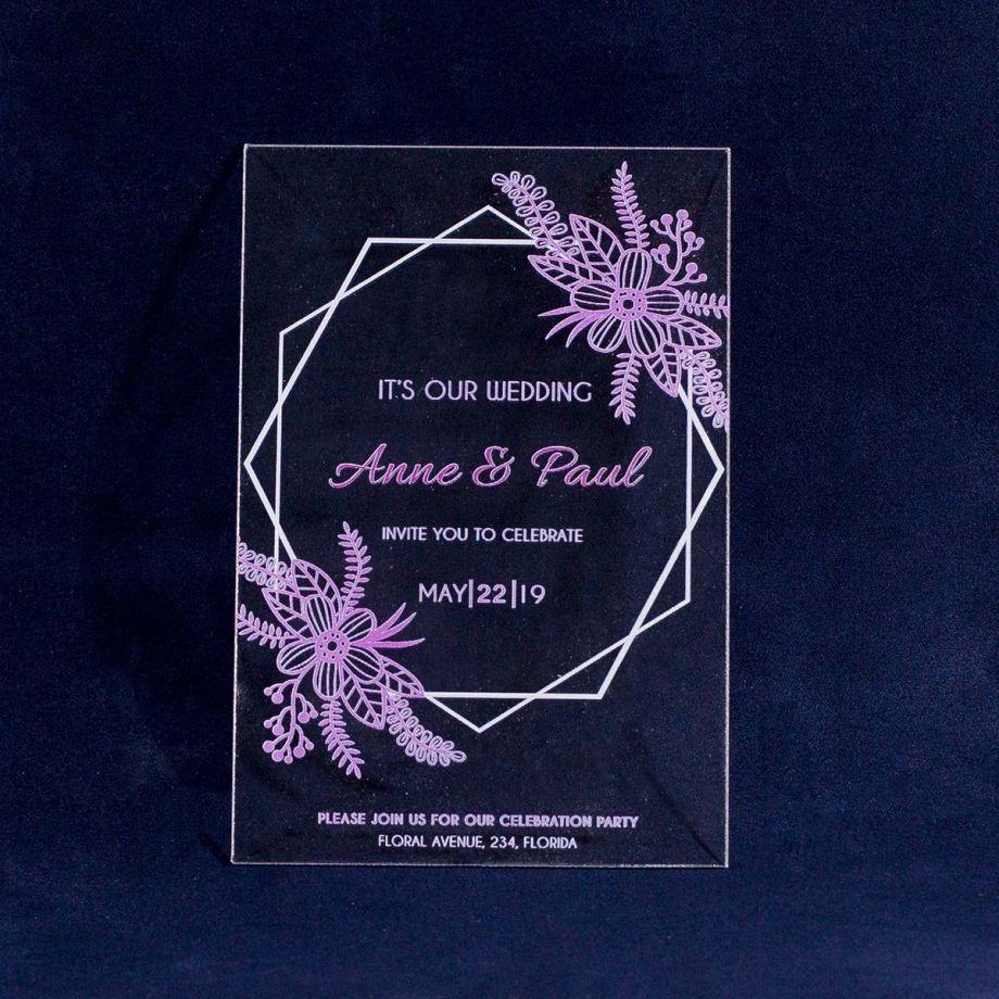 Свадебное приглашение из оргстекла с венком