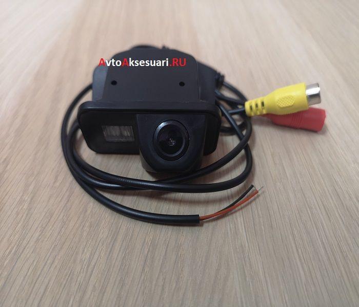 Камера заднего вида Toyota Wish 2003-2019