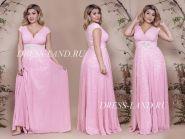 Розовое вечернее платье с V-образным декольте