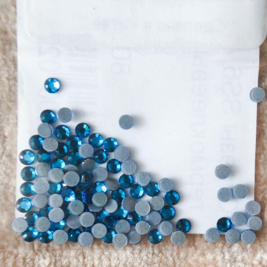 Стразы стеклянные клеевые, цвет Лазурный, SS6, 100 шт/упак
